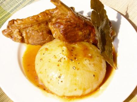 豚リブと玉ねぎの黒酢煮込み