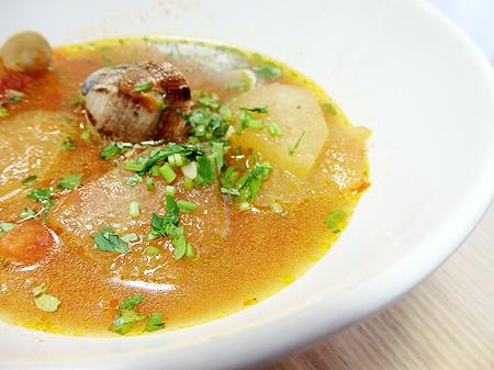 薬膳料理レシピ:冬瓜とアサリの辛味スープ