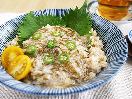薬膳料理レシピ:玄米とろろかけご飯