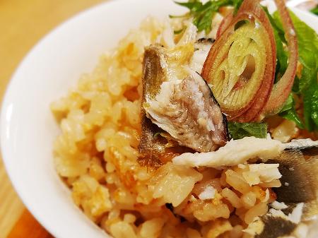 薬膳料理レシピ:鮎の炊き込みご飯