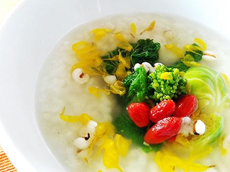薬膳料理レシピ:はと麦・菊花餡かけ粥